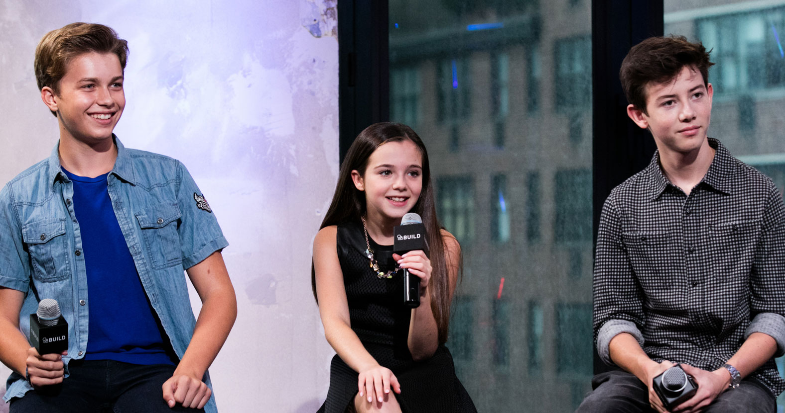 griffin gluck promotes �middle school� with the cast in