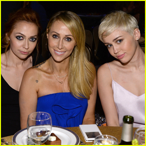 Miley Cyrus' Sister & Mom Are Set to Star in a Decorating Show!