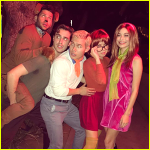 Miranda Cosgrove & Jennette McCurdy are Daphne & Velma From 'Scooby Doo' For Halloween!