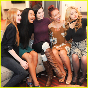 Project Mc² Cast Screens Season Three with Girl Scouts!
