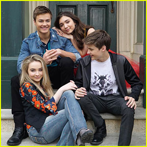 Fans Name All Reasons Why 'Girl Meets World' Should Be Renewed For 4th Season