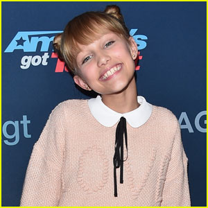 'AGT' Winner Grace VanderWaal to Headline Holiday Special!