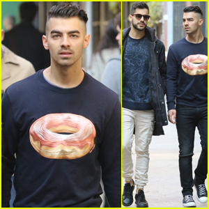 Joe Jonas Meets His New Niece Valentina!
