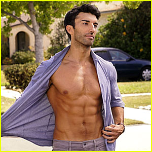 Justin Baldoni Unveils Six Pack Abs for Upcoming 'Jane the Virgin' Episode!