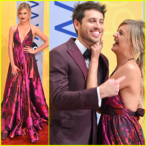 Kelsea Ballerini & Morgan Evans Make Red Carpet Debut at CMA Awards 2016
