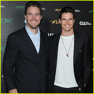 Robbie Amell Once Tried To Pull Off An Oliver Queen Joke on 'The Flash'