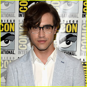 Rocky Horror's Ryan McCartan is in a New 'Long Distance Relationship'!