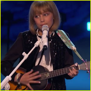 VIDEO: Grace VanderWaal Charms With 'Frosty the Snowman' For 'AGT' Holiday Spectacular