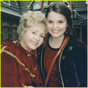 'Halloweentown' Star Writes Beautiful Tribute To Late Co-Star Debbie Reynolds