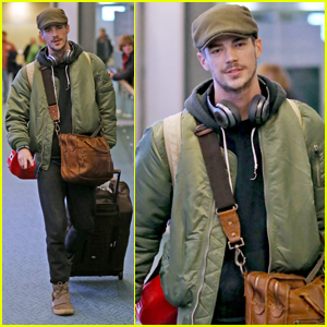 Grant Gustin Spent the Holidays With His Girlfriend in NYC!