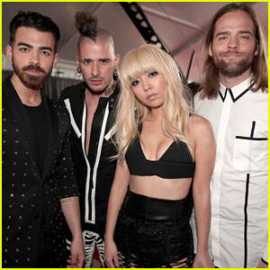 DNCE's JinJoo Lee Stole the Show at Grammy 2017