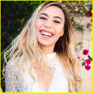Eva Gutowski Would Be Proud of These Love Letters on Twitter