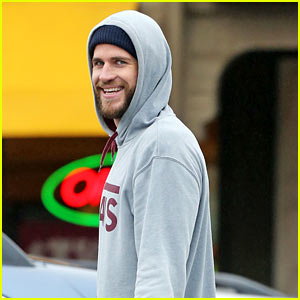 Liam Hemsworth Flashes a Smile During His Smoothie Run