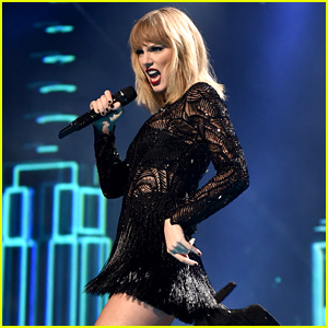 Taylor Swift Performs Only Concert in 2017 for Super Bowl Weekend - Watch Video!