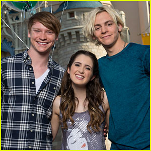 Calum Worthy Would Be Totally Down for an 'Austin & Ally' Movie