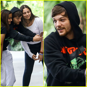 Louis Tomlinson Stops For Fan Selfies in Miami