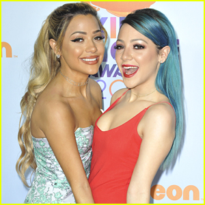 Social Stars Niki & Gabi DeMartino Had The Best Time at the KCAs 2017! (Video)