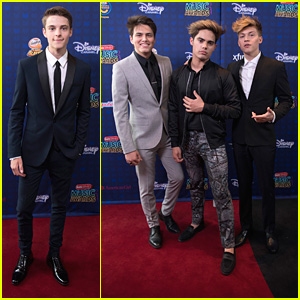 Corey Fogelmanis & Forever In Your Mind Were Def The Hot Guys at the RDMAs 2017