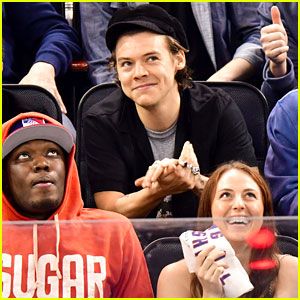 Harry Styles Enjoys Rangers Game in NYC After 'SNL' Gig!