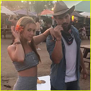 Billie Lourd & Taylor Lautner Couple Up for Stagecoach 2017