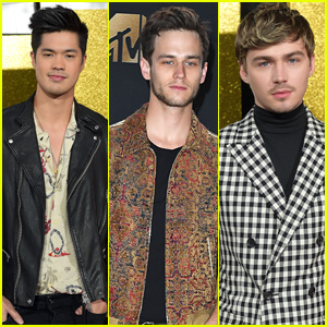 Ross Butler, Miles Heizer & Brandon Flynn Bring '13 Reasons Why' To MTV Movie & TV Awards 2017
