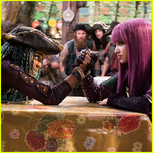 Mal & Uma Arm Wrestle in These New 'Descendants 2' Photos!