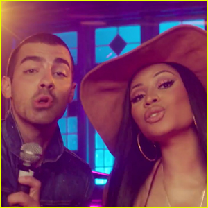 DNCE & Nicki Minaj Throw a Huge Party in 'Kissing Stranger's Music Video - WATCH!