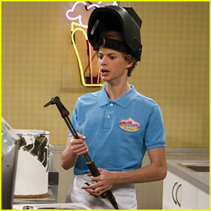 Jace Norman Will Do Whatever it Takes To Serve JoJo Siwa Ice Cream In 'Nickelodeon's Sizzling Summer Camp Special' Clip