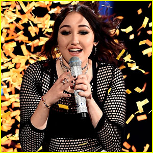 Noah Cyrus Handles the MTV Movie & TV Awards Stage Like a Boss! -- Video Inside