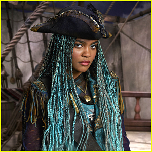 China Anne McClain Is Totally Wicked in 'Descendants 2's 'What's My Name' Music Video - Watch!