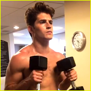 Gregg Sulkin Looks Super Hot in These Workout Pics!