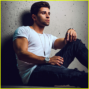 Jake Miller Opens Up About Being a 'Girlfriend Guy' in a New Interview (Video)