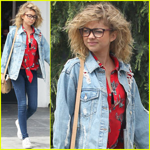Sarah Hyland's Natural Curly Hair is #Goals