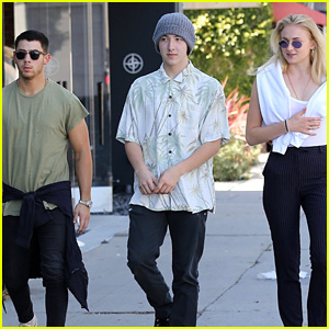 Nick Jonas Looks Buff at Lunch with Sophie Turner & Brother Frankie!