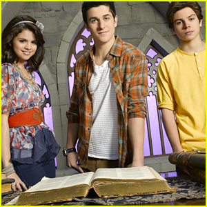 Jake T. Austin Is Definitely Down For A 'Wizards of Waverly Place' Reunion