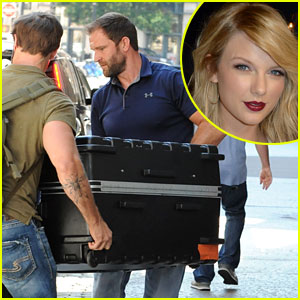 Fans Question if Taylor Swift is in This Suitcase, But Photo Agency Takes Back Claim