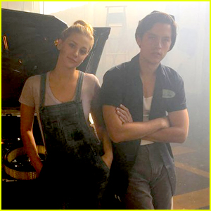 Lili Reinhart's Betty Cooper is the 'Queen of Fixing Cars' on 'Riverdale'