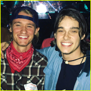 'Descendants 2' Stars Mitchell Hope & Dylan Playfair Are Really Good Friends Off Set