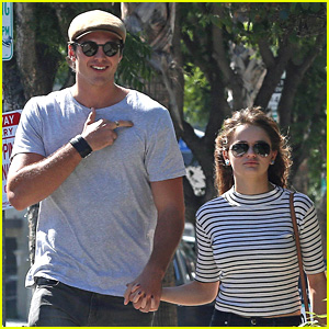 Joey King & Boyfriend Jacob Elordi Make Such a Cute Couple!