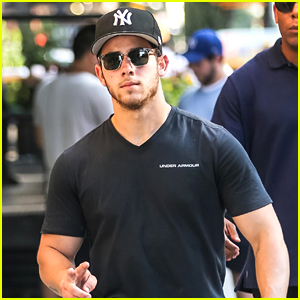 Nick Jonas Looks Super Buff in NYC!