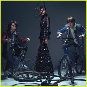 'Stranger Things' Stars Finn Wolfhard & Noah Schnapp Go High Fashion For 'Harper's Bazaar'