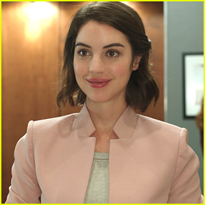 Adelaide Kane Calls 'Once Upon A Time' Character Drizella 'Very Petty'