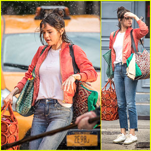 Selena Gomez Shoots Scene in the Rain for New Movie!