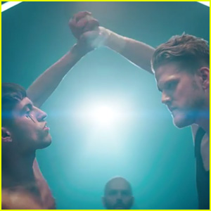 Superfruit Takes on Fight Night in 'Future Friends' Music Video - Watch Now!