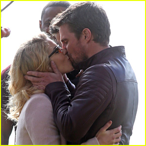Stephen Amell & Emily Bett Rickards Share Romantic On-Set Kiss!