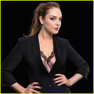 Dynasty's Elizabeth Gillies Calls 'Riverdale' A 'Sexy Little Show'