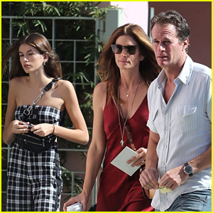 Kaia Gerber Spends Sunday Hanging with Her Parents!