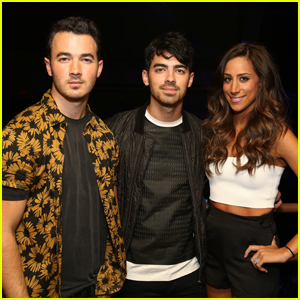 Kevin & Danielle Jonas Welcome Joe's Fiance Sophie Turner to the Family!