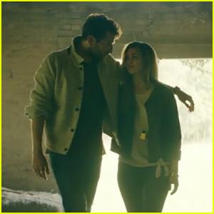 Sadie Robertson & Brett Eldredge Fall in Love in His 'The Long Way' Music Video