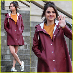 Selena Gomez Greets Fans While Filming in NYC!